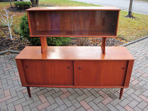 mId century modern buffet and hutch, Teak buffet and hutch London Ontario image 3