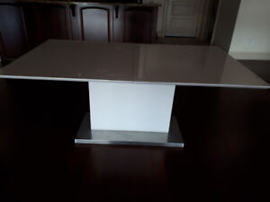White top Table