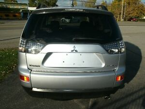 2008 Mitsubishi Outlander ES:4WD,Only 109kms, Drives Great! Oakville / Halton Region Toronto (GTA) image 3