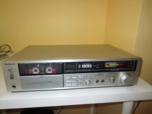 Technics cassette deck RS-228X.Fully functional.514-996-9207