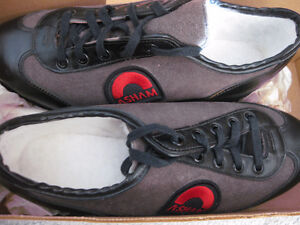 NEW IN ORIGINAL BOX: ASHAM LADIES CURLING SHOES