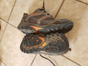 Merrell hiking boots size 10 men's