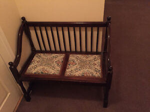 Antique look BENCH ... hardly used