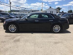 2012 CHRYSLER 300 LIMITED * LEATHER * SUNROOF * BLUETOOTH * REAR London Ontario image 3