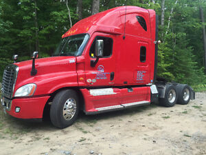 2011 FREIGHTLINER CASCADIA FOR SALE. GREAT CONDITION Peterborough Peterborough Area image 2