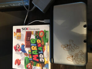 Nintendo 3DS and game with charger no style pen