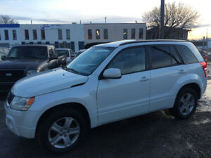 2008 SUZUKI GRAND VITARA AWD, LEATHER, SUNROOF, EXCELLENT SHAPE!