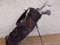 Men's Spalding right hand golf clulbs located in Peace River