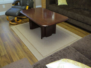 Coffee table in cherry black in mint condition