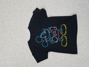 Disney t-shirt - size youth small