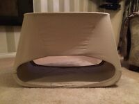 Stokke bed and bouncer