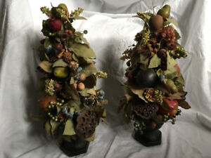Set of 2 Topiary Flowers and Pots