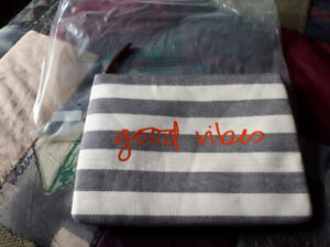 Stella and Dot All in Pouch - Good Vibes