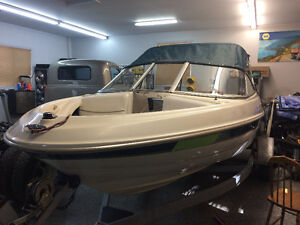 2000 BAYLINER  3.0 L  4 CLY.  LIKE   NEW