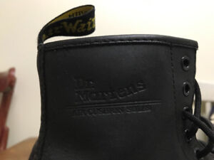 Classic Dr. Martens size 8 women with air cushion soles