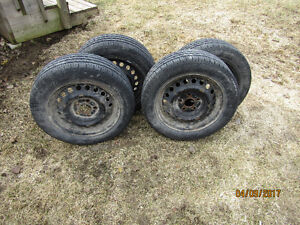 195/60R15 Summer Tires on Rims (Used 2 Mths.)