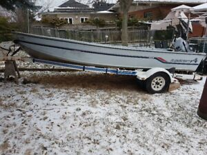 Alumacraft 16ft Deep V Boat with 30 HP Yamaha + Trailer $5,000