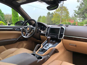 FOR SALE: 2015 Porsche Cayenne Diesel