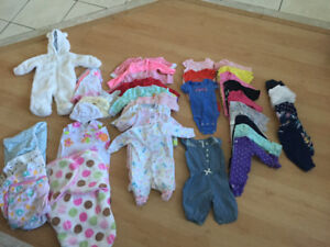 Baby girl Newborn Clothes. 43 items