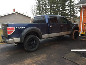 2009 Ford F-150 SuperCrew Pickup Truck, lifted!!