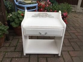 SMALL WHITE UNIT WITH A DRAWER