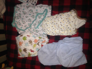 Swaddle me 0-3 month and 9-14 lb London Ontario image 1