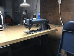 Singer industrial straight stitch ,well maintained