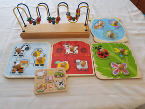 Jigsaw/bead toy
