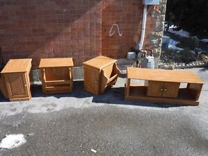 4 piece oak veneer coffee table and end tables with magazine/kni