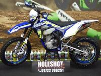 SHERCO FACTORY SEF-R 300 2017 MODEL COMES WITH FAN KIT AND FRONT & REAR MOUSSE'S
