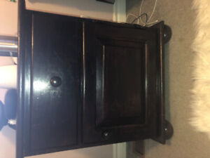 Dresser and matching night stand for sale