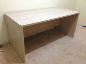 Large Office/Work Computer Table/Desk