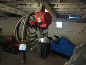 Aro air hoist