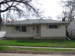 Fully finished bungalow in St. Albert