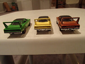Loose 3 Hot Wheels 1970 Plymouth Superbird 1:64 diecast car. Sarnia Sarnia Area image 9