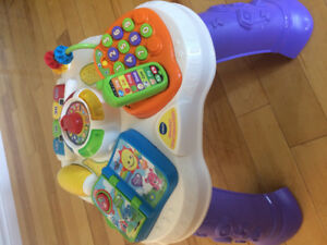 Vtech Sit to Stand Learn & Discovery Table