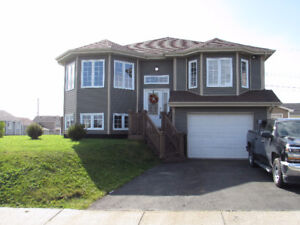 JUST LISTED...41 WESTPORT DRIVE, PARADISE. IN-HOUSE GARAGE