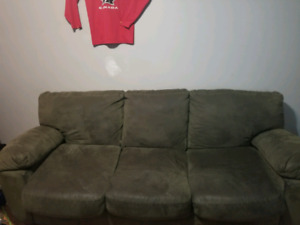 Nice comfy couch pick up only