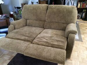 Two piece couch set  Sarnia Sarnia Area image 5
