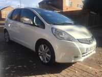2013 Honda Jazz 1.4 I V-tec AUTO CVT in white cat D