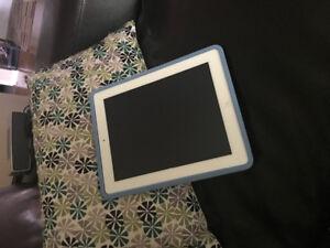 iPad 2- Blanc très peu utilisé!