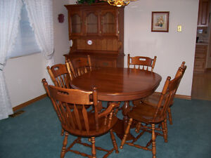 Dining Table, Chairs and Hutch. Solid Maple - NEW LOWER PRICE Kitchener / Waterloo Kitchener Area image 4