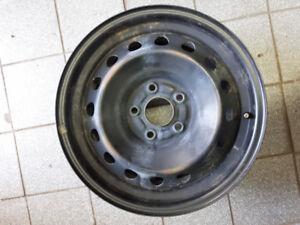 4 jantes 16 pouces propres, bolt pattern 5X114.3, hub bore 64.1