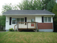 House for rent within a 5 in walk to UNB & STU