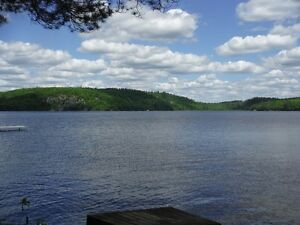 Waterfront family cottage ~Shallow sandy water ~Newly renovated
