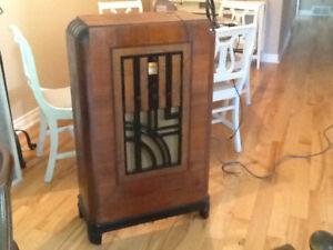 Antique Radio- Stromberg-Carlson