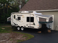 19 foot Palomino Hybrid Trailer 2009