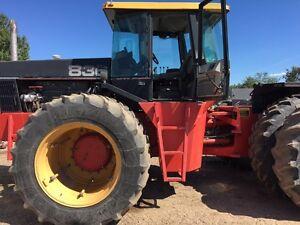 Versatile 836 4wd/Perfect grain cart tractor