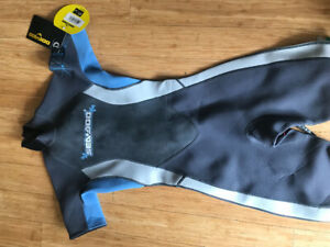 Women's wetsuit size 7/8. Never worn still has tags.