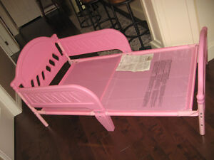 Toddler bed(girl's)